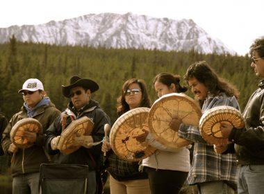 Prosperity mine Tŝilhqot'in First Nation drummers A\J AlternativesJournal.ca