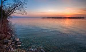 LakeCouchiching-CreativeCommons-Robert-Snache-Spirithands