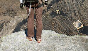 Bitumen Cliff: Standing on the edge of the oil sands A\J AlternativesJournal.ca