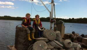 Oyster fishing; sustainable fisheries. A\J AlternativesJournal.ca