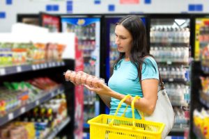 Food label awareness. Photo © Art Allianz \ Fotolia.com