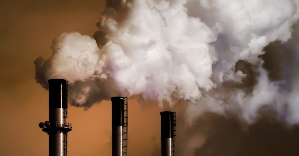 coal smokestacks A\J AlternativesJournal.ca