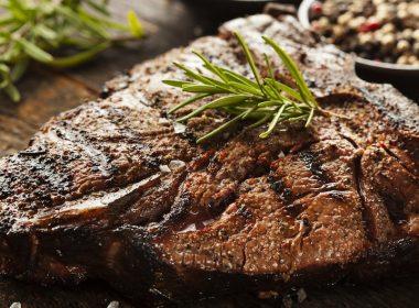 meat © Brent Hofacker - Fotolia 55672555