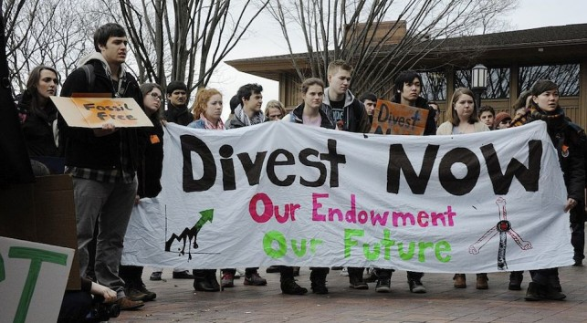 Divestment rally at Tufts University
