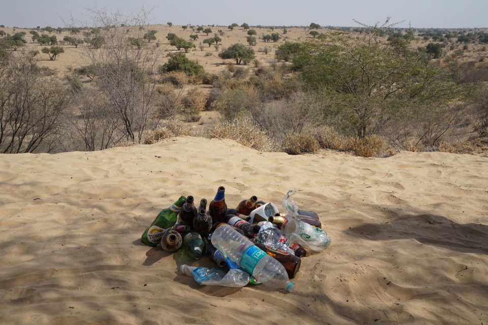 (Photo: a collection of litter in the desert outside Bikaner)