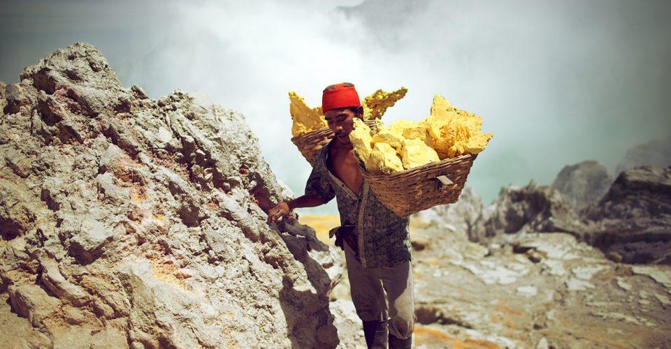 Ijen Sulphur Mining. Kevin McElvaney.